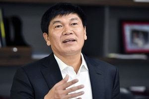 Kiếm tiền 'vũ bão', ông Trần Đình Long trở lại danh sách tỷ phú USD