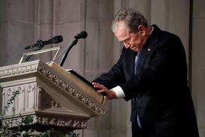 Nghẹn ngào lễ quốc tang cố Tổng thống Bush 'cha'