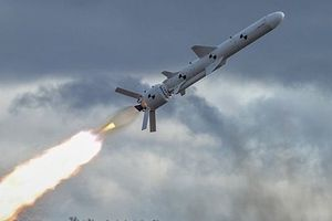 Leo thang căng thẳng với Nga, Ukraine thử nghiệm tên lửa hành trình trên biển Azov