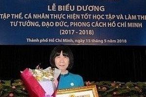 Cô giáo 10 năm 'gieo chữ' cho bệnh nhi ung thư