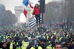 Chính phủ Pháp gỡ ngòi nổ phe 'Áo vàng'