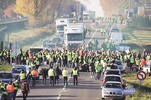 Pháp nỗ lực giải quyết thách thức từ làn sóng biểu tình 'Áo vàng'