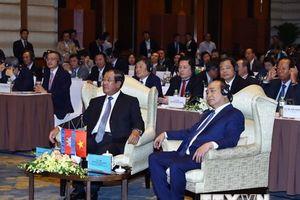 Thủ tướng Nguyễn Xuân Phúc dự Diễn đàn doanh nghiệp Việt Nam-Campuchia