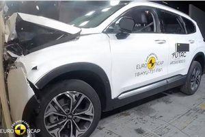 Đạt mức an toàn 5 sao, Hyundai SantaFe 2019 được thử nghiệm thế nào?