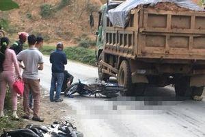 Yên Bái: Chồng gào khóc bên thi thể vợ bị xe tải cán tử vong