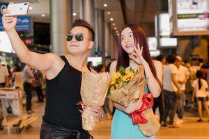 Saka Trương Tuyền ra sân bay đón Khang Việt lúc nửa đêm