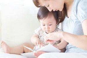 Chuyên gia gợi ý cách đọc sách cho bé theo từng độ tuổi giúp con sớm phát triển tư duy