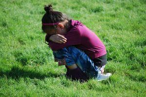 7 loại hành vi của trẻ khiến bố mẹ lo lắng