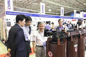 Hơn 1.000 khách tham quan triển lãm Electric & Power Vietnam 2018