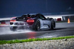 Siêu xe tiếp theo của Porsche sẽ đạt được kỷ lục 6 phút 30 giây tại Nurburgring