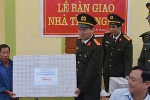 Bàn giao 2 ngôi nhà tình nghĩa tại huyện Anh Sơn