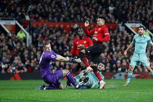 Kết quả Ngoại hạng Anh đêm qua: MU chia điểm cùng Arsenal, Chelsea thua sốc