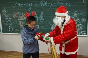 Phòng giáo dục ở TP.HCM cấm trường học tổ chức Noel khiến phụ huynh bức xúc
