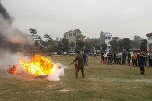 Gần 300 dân phòng tham gia tập huấn nâng cao kỹ năng dập lửa