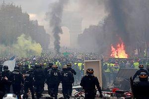 Pháp triển khai 89.000 binh sĩ đối phó với bạo loạn