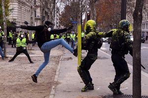 Tháp Eiffel đóng, 8.000 cảnh sát chuẩn bị ngày 'đại biểu tình' ở Paris