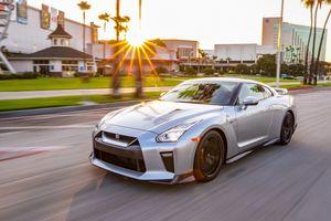 Nissan GT-R 2019 cập bến nước Mỹ, giá gần 100.000 USD
