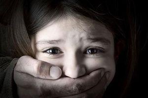 Người đàn ông 63 tuổi ra đầu thú sau khi cưỡng hiếp bé gái