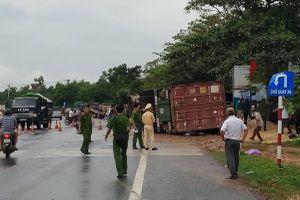 Quảng Trị: Xe container va chạm xe môtô, 2 phụ nữ thiệt mạng