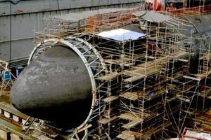 Sự cố kinh hoàng tàu hạt nhân đâm núi ngầm dưới biển, nát toàn bộ mũi