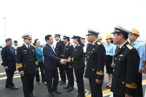 Phó thủ tướng Vương Đình Huệ kiểm tra tại Công ty TNHH Cảng công-ten-nơ quốc tế Hải Phòng
