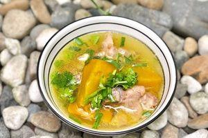 Món ngon mỗi ngày: Canh bí đỏ sườn non bổ dưỡng cho cả gia đình