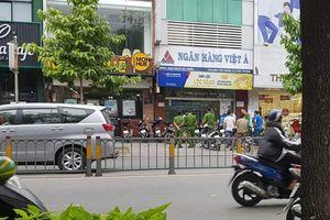 Hé lộ đặc điểm nhận dạng đôi nam nữ cướp hơn 1 tỷ đồng ở Ngân hàng Việt Á