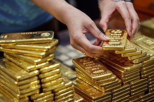 Giao dịch ảm đạm, giá vàng SJC rơi xuống mức thấp