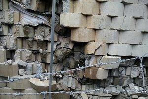 Yêu cầu tháo dỡ khẩn cấp bức tường sai phép của dự án Marina Hill, nguy cơ sụp đổ xuống khu dân cư