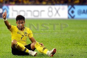 Trung vệ Malaysia 'cầu nguyện' đội Việt Nam vào chung kết để đòi nợ