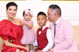 Siêu mẫu Vũ Cẩm Nhung cùng gia đình thực hiện bộ hình mới