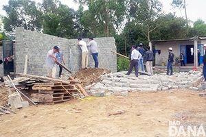 Tự ý xây dựng, cơi nới nhà cửa trong vùng dự án 'treo'