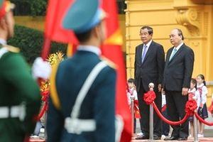 Thủ tướng Nguyễn Xuân Phúc chủ trì lễ đón chính thức Thủ tướng Campuchia