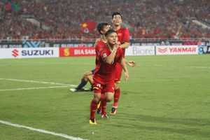 Chấm điểm màn trình diễn của ĐT Việt Nam: Ngả mũ trước Quang Hải