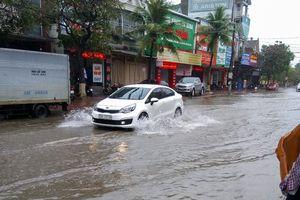 Một số tuyến đường TP Hà Tĩnh ngập sau trận mưa lớn