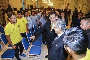 Thủ tướng Malaysia mong đội nhà sẽ thắng Việt Nam cả hai trận chung kết