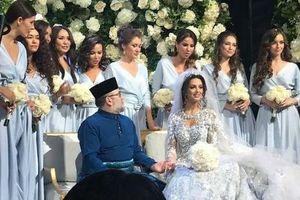 Chuyện tình vua Malaysia và người đẹp nước Nga
