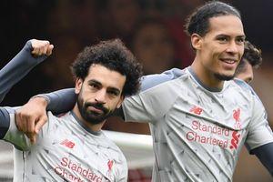 Salah 'nổ' hat-trick, Liverpool chiếm ngôi đỉnh bảng