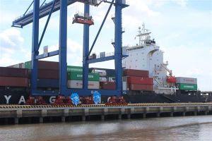 Hàng hóa thông qua cảng biển tăng trưởng mạnh