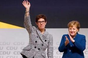 'Tiểu Merkel' trở thành tân Chủ tịch đảng CDU