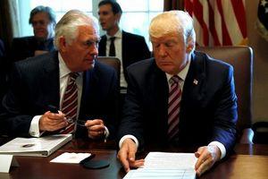 Tổng thống Trump nổi đóa khi bị cựu Ngoại trưởng Mỹ tố vô kỷ luật, ép buộc cấp dưới