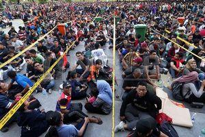 Fan Malaysia xếp hàng thâu đêm săn vé xem chung kết