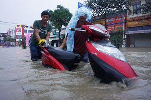 Hàng loạt địa phương cho học sinh nghỉ học do mưa lũ