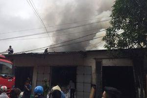 Nghệ An: Cháy dữ dội tại chợ Vinh
