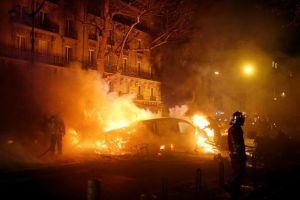 Ảnh ấn tượng trong tuần: Paris tan hoang sau vụ bạo loạn nghiêm trọng