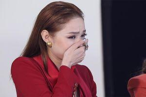 Minh Hằng khốn đốn với 'Bà kẹ Google' gây sốt mạng xã hội