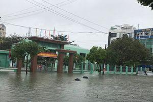 Đà Nẵng: Ngày 10/12, hàng trăm HS phải nghỉ học do trường ngập sâu trong nước