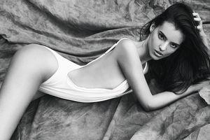 Tân Hoa hậu Thế giới nóng bỏng với bikini và tiết lộ bất ngờ