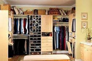 Sáng cười: Điều bất ngờ trong tủ quần áo của vợ