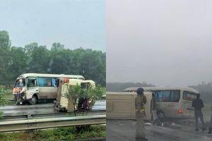 Tin mới nhất vụ xe khách lật trên cao tốc Nội Bài - Lào Cai khiến nhiều người bị thương